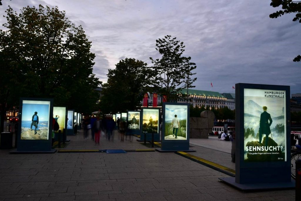 Outdoorgalerie 09/2020 bei Dämmerung